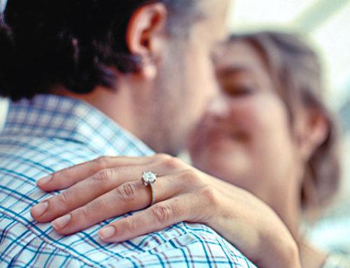 Les femmes achètent plus souvent leur propre bague de fiançailles