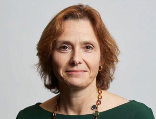 Sarah Kuijlaars (CFO De Beers) dévoile ses plans pour la vente au détail.